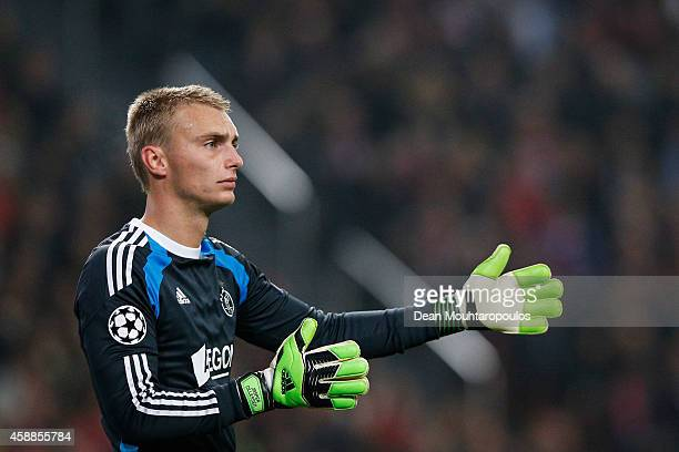 Goalkeeper Jasper Cillessen of Ajax speaks to team mates during the UEFA Champions League Group F match between AFC Ajax and FC Barcelona at The...