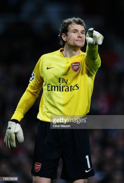 Goalkeeper Jens Lehmann of Arsenal gestures to his defenders during the UEFA Champions League round of sixteen second leg match between Arsenal and...