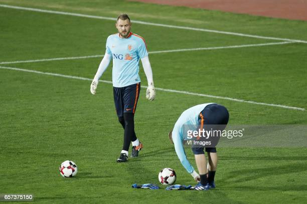 goalkeeper Jeroen Zoet of Holland goalkeeper Jasper Cillessen of Hollandduring a training session prior to the FIFA World Cup 2018 qualifying match...