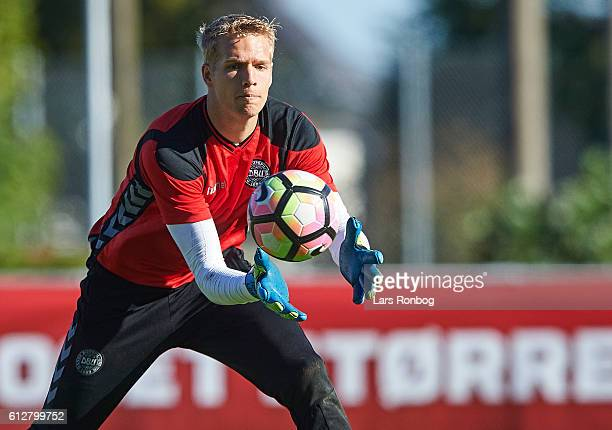 Goalkeeper Jonas Lossl in action during the Denmark training session at Helsingor Stadion on October 4 2016 in Helsingor Denmark