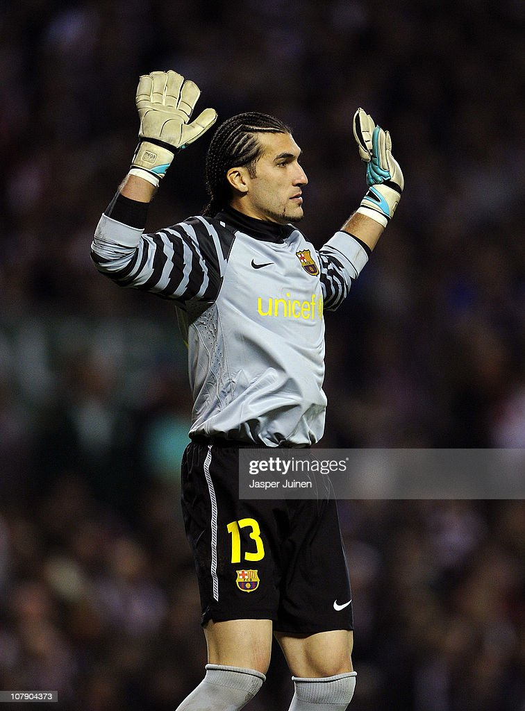 Goalkeeper Jose Pinto of Barcelona reacts during the round of last 16 Copa del Rey second leg match between Athletic Bilbao and FC Barcelona at Estadio de San Mames on January 5, 2011 in Bilbao, Spain. The match ended in a 1-1 draw with Barcelona advancing to the quarter final.