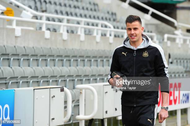Goalkeeper Karl Darlow of Newcastle United arrives during the Sky Bet Championship Match between Newcastle United and Barnsley at StJames' Park on...