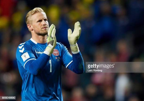 Goalkeeper Kasper Schmeichel of Denmark applause the fans after the FIFA World Cup 2018 qualifier match between Denmark and Romania at Telia Parken...