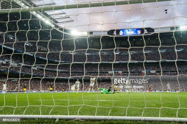 Goalkeeper Keylor Navas of Real Madrid saves an attempt by Kevin Gameiro of Atletico de Madrid during their 201617 UEFA Champions League Semifinals...