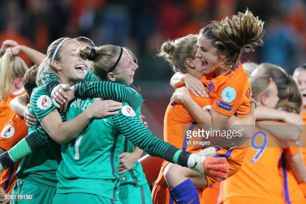 goalkeeper Loes Geurts of Holland Women goalkeeper Sari van Veenendaal of Holland Women Vivianne Miedema of Holland Women Danielle van de Donk of...