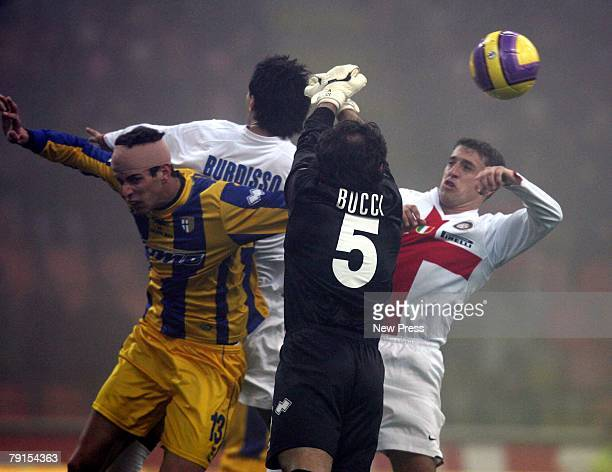 Goalkeeper Luca Bucci of Parma Burdisso competes with Hernan Crespo of Inter during the Serie A match between Inter Milan and Parma at the San Siro...