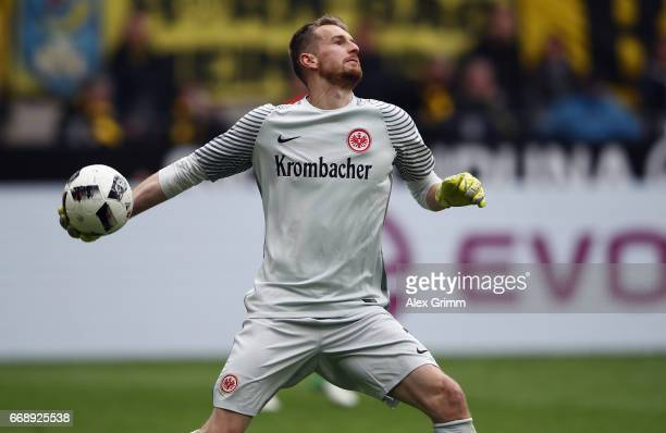 Goalkeeper Lukas Hradecky of Frankfurt controles the ball during the Bundesliga match between Borussia Dortmund and Eintracht Frankfurt at Signal...
