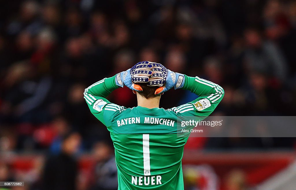 Goalkeeper <a gi-track='captionPersonalityLinkClicked' href=/galleries/search?phrase=Manuel+Neuer&family=editorial&specificpeople=764621 ng-click='$event.stopPropagation()'>Manuel Neuer</a> of Muenchen reacts during the Bundesliga match between Bayer Leverkusen and FC Bayern Muenchen at BayArena on February 6, 2016 in Leverkusen, Germany.