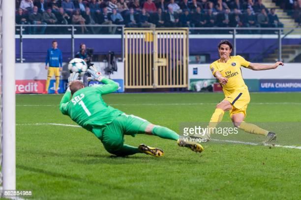 goalkeeper Matz Sels of RSC Anderlecht Edinson Cavani of Paris SaintGermain during the UEFA Champions League group B match between RSC Anderlecht and...