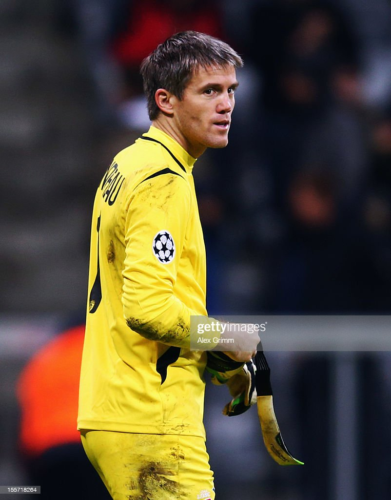 Goalkeeper <a gi-track='captionPersonalityLinkClicked' href=/galleries/search?phrase=Mickael+Landreau&family=editorial&specificpeople=490956 ng-click='$event.stopPropagation()'>Mickael Landreau</a> of Lille reacts during the UEFA Champions League group F match between FC Bayern Muenchen and LOSC Lille at Allianz Arena on November 7, 2012 in Munich, Germany.