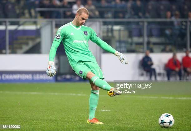 Goalkeeper of Anderlecht Matz Sels during the UEFA Champions League match between RSC Anderlecht and Paris Saint Germain at Constant Vanden Stock...