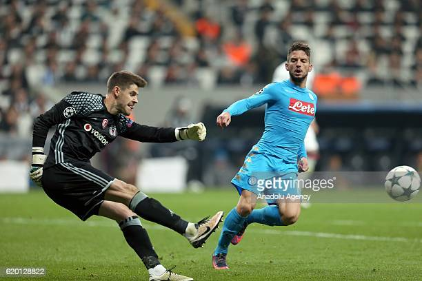 Goalkeeper of Besiktas Fabricio Agosto Ramirez in action against Dries Mertens of Napoli during the UEFA Champions League football match between...