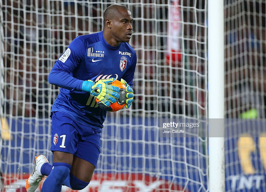 Goalkeeper of Lille <a gi-track='captionPersonalityLinkClicked' href=/galleries/search?phrase=Vincent+Enyeama&family=editorial&specificpeople=831392 ng-click='$event.stopPropagation()'>Vincent Enyeama</a> in action during the french Ligue 1 match between LOSC Lille and Paris Saint-Germain FC at the Grand Stade Pierre Mauroy on May 10, 2014 in Lille, France.