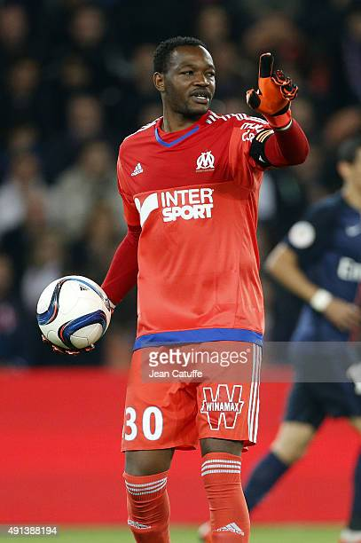Goalkeeper of OM Steve Mandanda in action during the French Ligue 1 match between Paris SaintGermain FC and Olympique de Marseille at Parc des...