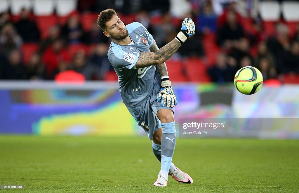 Goalkeeper of Rennes <a gi-track='captionPersonalityLinkClicked' href=/galleries/search?phrase=Benoit+Costil&family=editorial&specificpeople=4839467 ng-click='$event.stopPropagation()'>Benoit Costil</a> in action during the French Ligue 1 match between Paris Saint-Germain (PSG) and Stade Rennais FC at Parc des Princes stadium on April 29, 2016 in Paris, France.