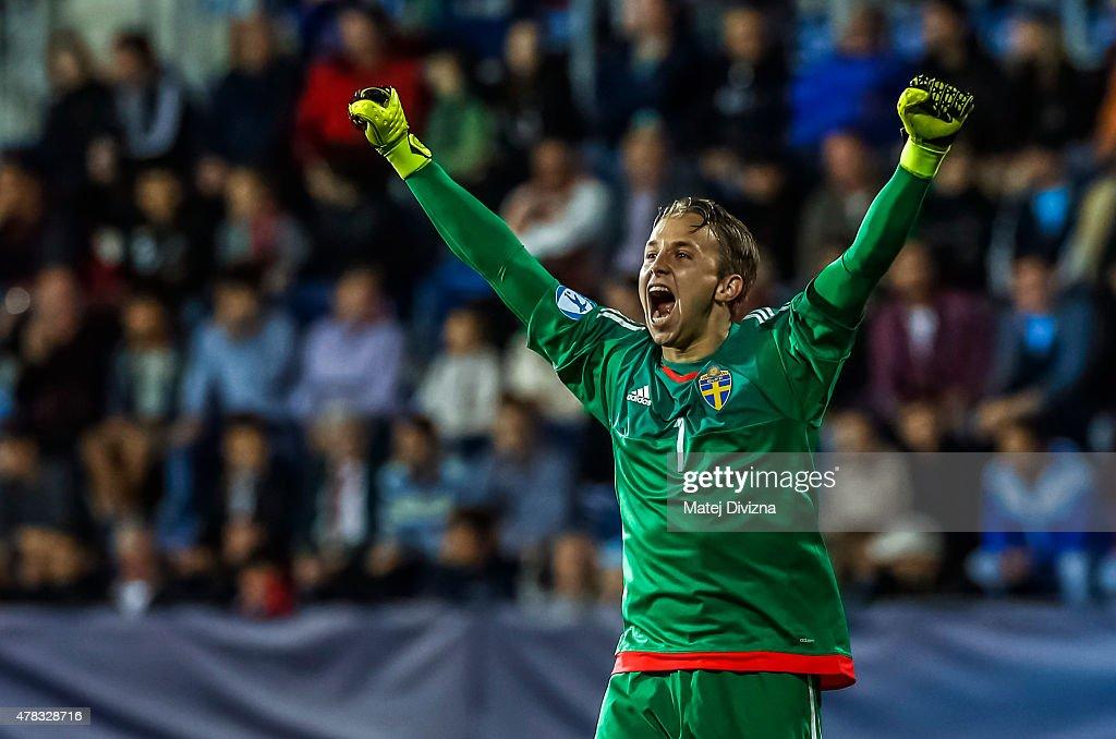 Goalkeeper of Sweden Patrik Carlgren celebrates goal during UEFA U21 European Championship Group B match between Portugal and Sweden at Mestsky Fotbalovy Stadium on June 24, 2015 in Uherske Hradiste, Czech Republic.