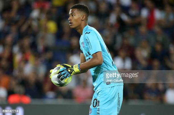 Goalkeeper of Toulouse Alban Lafont during the French Ligue 1 match between Paris Saint Germain and Toulouse FC at Parc des Princes on August 20 2017...