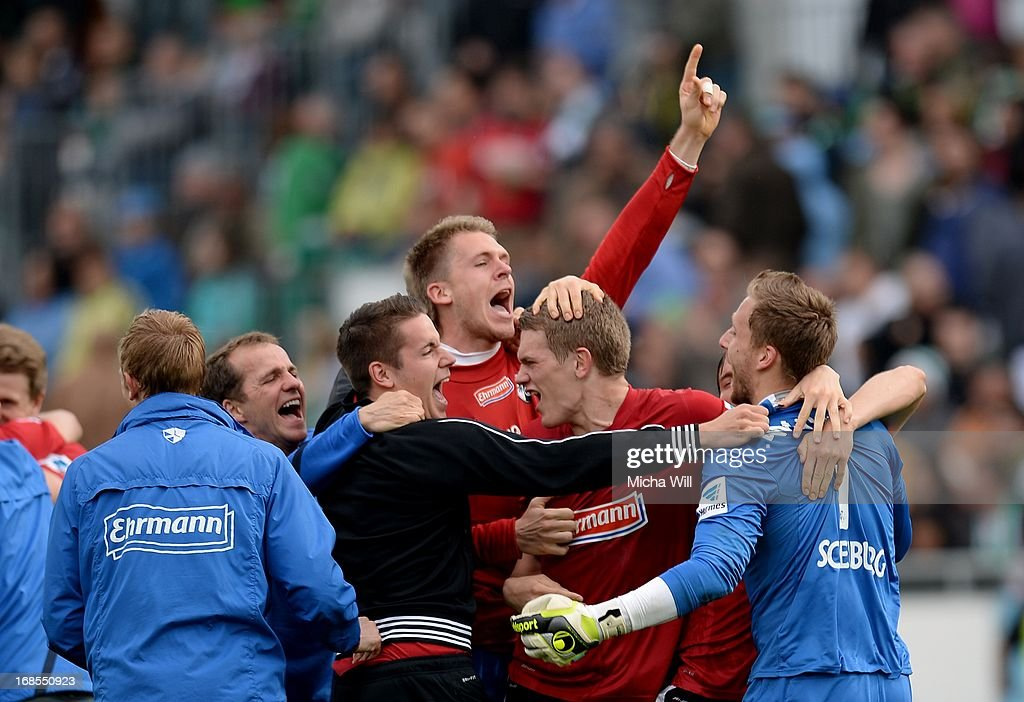 Goalkeeper Oliver Baumann of Freiburg and team-mates celebrate victory after the Bundesliga match between SpVgg Greuther Fuerth and SC Freiburg at Trolli-Arena on May 11, 2013 in Fuerth, Germany.