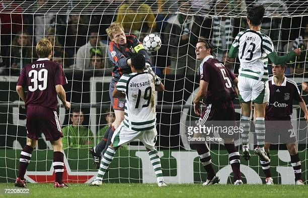 Goalkeeper Oliver Kahn of Bayern Munich in action against Alecsandro of Sporting Lisbon during the UEFA Champions League group B match between...