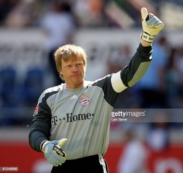 Goalkeeper Oliver Kahn of Munich greats the fans of Duisburg during the Bundesliga match between MSV Duisburg and Bayern Munich at the MSV Arena on...