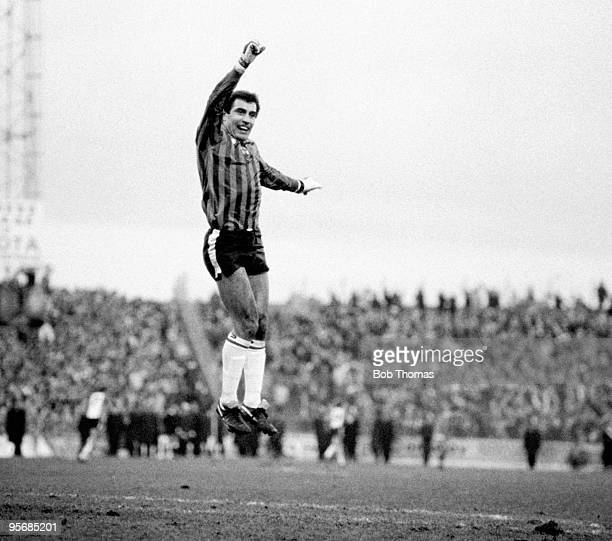 Goalkeeper Peter Shilton of Southampton celebrates after teammate Steve Moran scores the winning goal during the Portsmouth v Southampton FA Cup 4th...