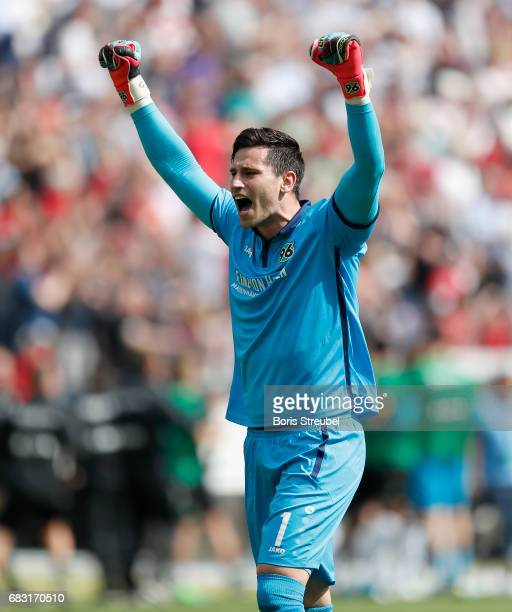 Goalkeeper Philipp Tschauner of Hannover 96 celebrates during the Second Bundesliga match between Hannover 96 and VfB Stuttgart at HDIArena on May 14...