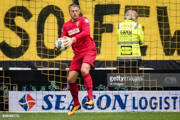 goalkeeper Remko Pasveer of Vitesse during the Dutch Eredivisie match between Vitesse Arnhem and VVV Venlo at Gelredome on September 17 2017 in...