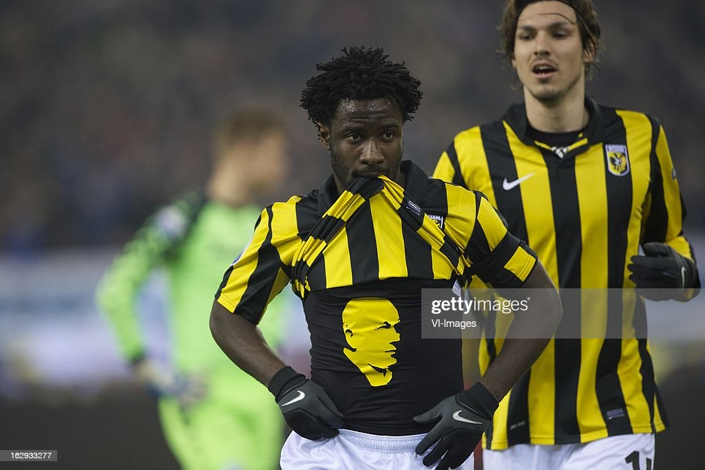 goalkeeper Robbin Ruiter of FC Utrecht, <a gi-track='captionPersonalityLinkClicked' href=/galleries/search?phrase=Wilfried+Bony&family=editorial&specificpeople=4231248 ng-click='$event.stopPropagation()'>Wilfried Bony</a> of Vitesse tribute to Theo Bos, Mike Havenaar of Vitesse during the Dutch Eredivisie match between Vitesse Arnhem and FC Utrecht at the Gelredome on march 01, 2013 in Arnhem, The Netherlands