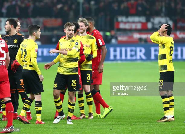 Goalkeeper Roman Bürki of Dortmund Christian Pulisic of Dortmund Marcel Schmelzer of Dortmund Andre Schuerrle of Dortmund and Shinji Kagawa of...
