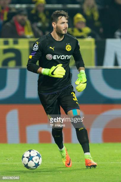 Goalkeeper Roman Buerki of Borussia Dortmund controls the ball during the UEFA Champions League Round of 16 Second Leg match between Borussia...