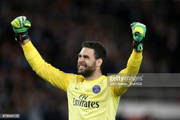PSG goalkeeper Salvatore Sirigu celebrates victory after the final whistle