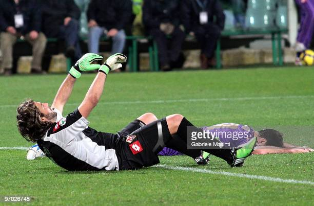 Goalkeeper Sebastian Frey and Massimo Gobbi of ACF Fiorentina show their dejection during the Serie A match between ACF Fiorentina and AC Milan at...
