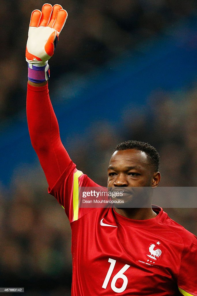 Goalkeeper Steve Mandanda of France in action during the International Friendly match between France and Brazil at the Stade de France on March 26...