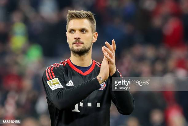 goalkeeper Sven Ulreich of Muenchen gestures after the Bundesliga match between FC Bayern Muenchen and RB Leipzig at Allianz Arena on October 28 2017...