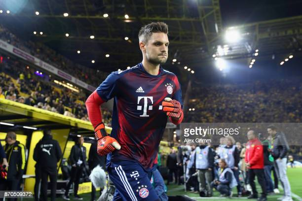 Goalkeeper Sven Ulreich of Muenchen warms up for the Bundesliga match between Borussia Dortmund and FC Bayern Muenchen at Signal Iduna Park on...