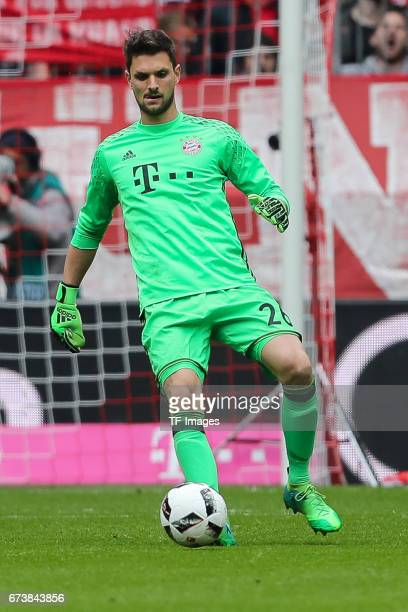 Goalkeeper Sven Ulreich of Munich controls the ball during the Bundesliga match between Bayern Muenchen and 1 FSV Mainz 05 at Allianz Arena on April...