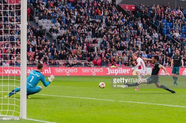 goalkeeper Theo Zwarthoed of Go Ahead Eagles Frenkie de Jong of Ajax Sander Fischer of Go Ahead Eagles Sander Duits of Go Ahead Eaglesduring the...