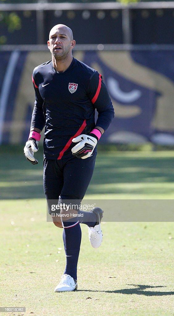 U.S. goalkeeper Tim Howard works out during practice at Florida International University in Miami, Florida, Monday, February 4, 2013.