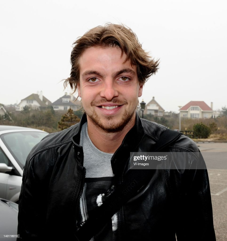 Goalkeeper Tim Krul arrive at Hotel Huis ter Duin ahead of the February 29 friendly match against England on February 27, 2012 in Noordwijk, Netherlands.