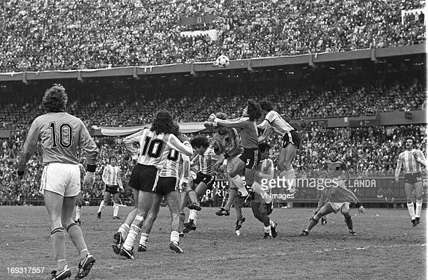 goalkeeper Ubaldo Fillol during the FIFA World Cup final match between Argentina and The Netherlands on June 25 1978 at the Estadio Monumental...