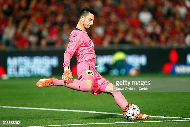 Goalkeeper Vedran Janjetovic of the Sydney FC in action during the round 15 ALeague match between the Western Sydney Wanderers and Sydney FC at...