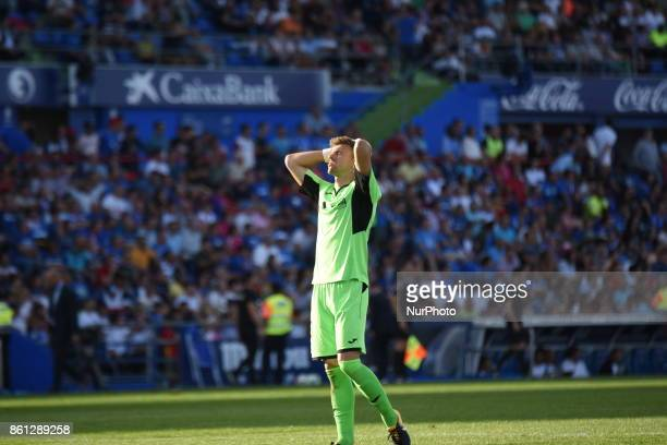 Goalkeeper Vicente Guaita of Getafe during the La Liga match between Getafe and Real Madrid at Coliseum Alfonso Perez on October 14 2017 in Getafe...