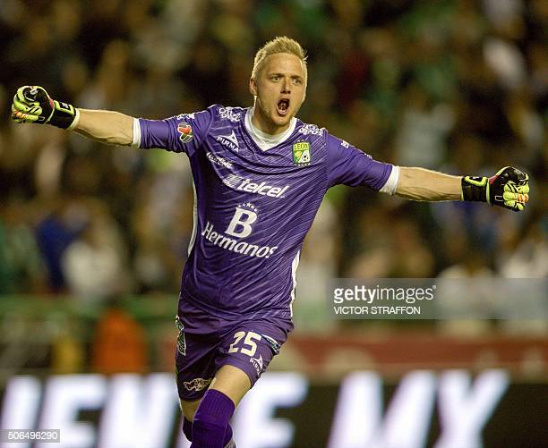 Goalkeeper William Yarbrough of Leon celebrates a goal during their Mexican Clausura tournament football match against Cruz Azul at the Nou Camp...