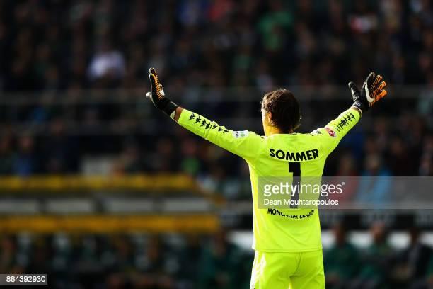 Goalkeeper Yann Sommer of Borussia Monchengladbach signals to team mates during the Bundesliga match between Borussia Moenchengladbach and Bayer 04...