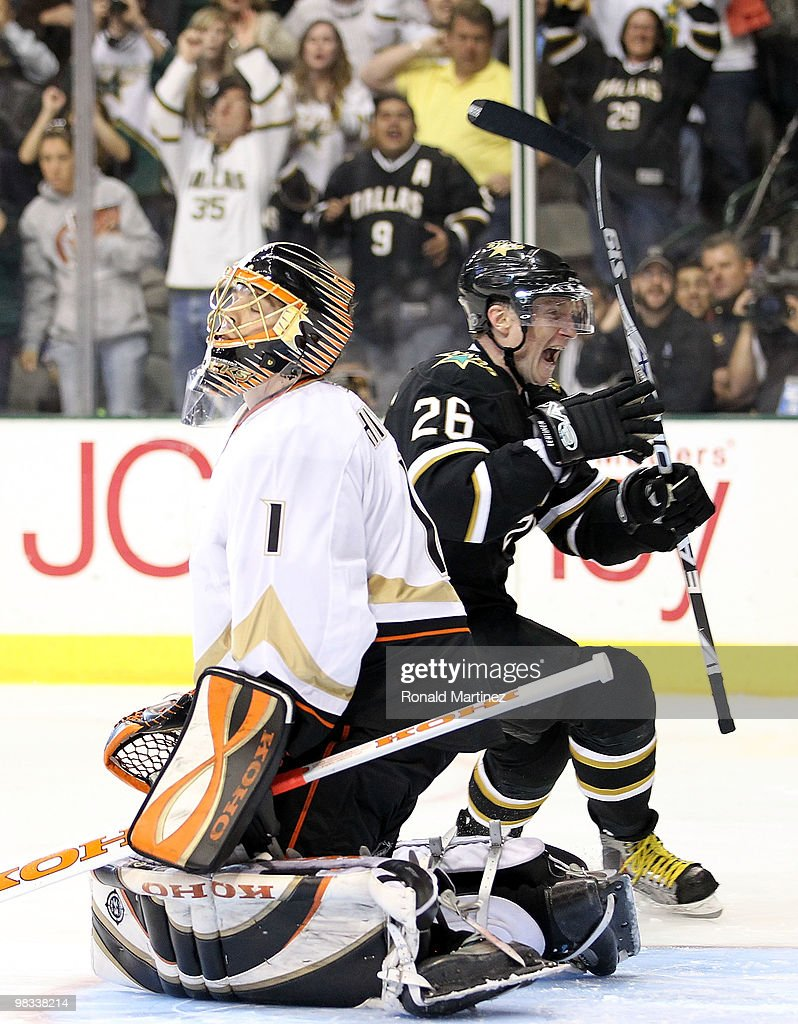 Goaltender <a gi-track='captionPersonalityLinkClicked' href=/galleries/search?phrase=Jonas+Hiller&family=editorial&specificpeople=743364 ng-click='$event.stopPropagation()'>Jonas Hiller</a> #1 of the Anaheim Ducks reacts after giving up the game winning goal in a shoot out to <a gi-track='captionPersonalityLinkClicked' href=/galleries/search?phrase=Jere+Lehtinen&family=editorial&specificpeople=239506 ng-click='$event.stopPropagation()'>Jere Lehtinen</a> #26 of the Dallas Stars at American Airlines Center on April 8, 2010 in Dallas, Texas.