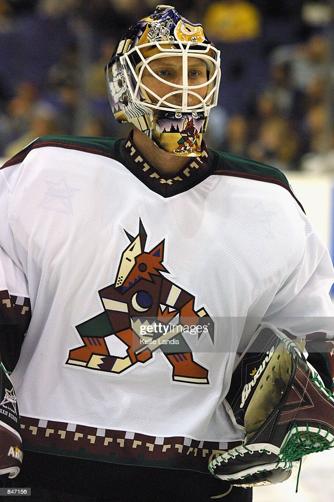 goaltender-sean-burke-of-the-phoenix-coyotes-looks-on-against-the-los-picture-id847156