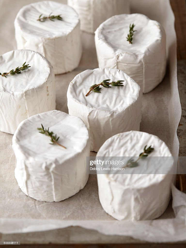 Goats cheese rounds with thyme on top