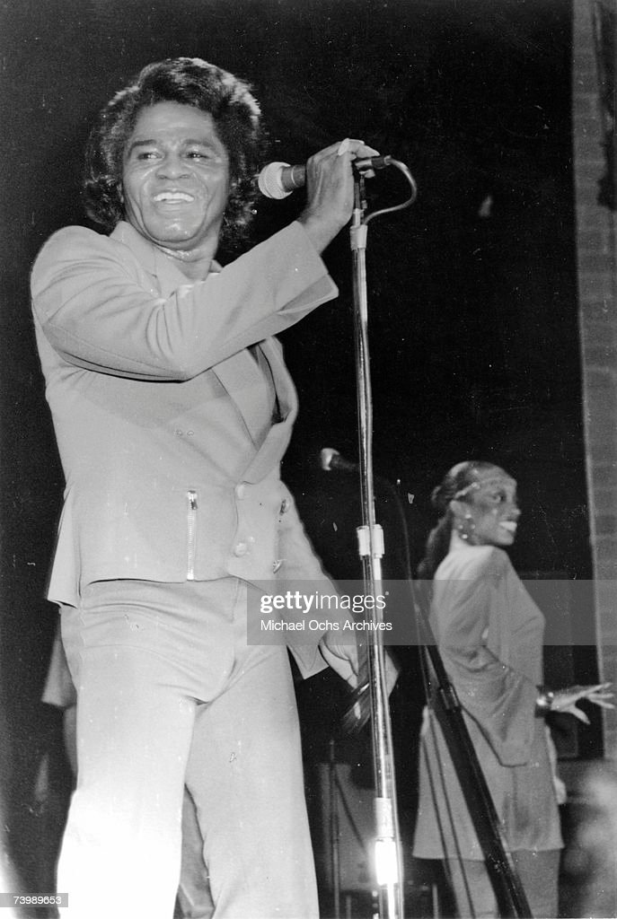 Godfather of Soul James Brown performs onstage at the Country Club on January 31, 1982 in Reseda, California.