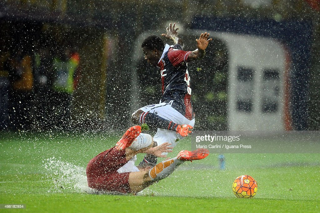 Godfred Donsah of Bologna FC in action during the Serie A match between Bologna FC and AS Roma at Stadio Renato Dall'Ara on November 21 2015 in...