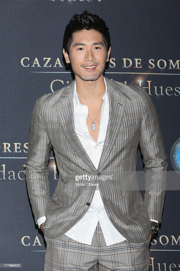 <a gi-track='captionPersonalityLinkClicked' href=/galleries/search?phrase=Godfrey+Gao&family=editorial&specificpeople=5872168 ng-click='$event.stopPropagation()'>Godfrey Gao</a> attends 'The Mortal Instruments: City of Bones' Mexico City photocall at St Regis Hotel on August 26, 2013 in Mexico City, Mexico.